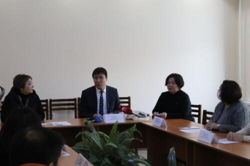 «Туруктуу мектептерди издөө» долбоору Кыргызстанда -презентация министру